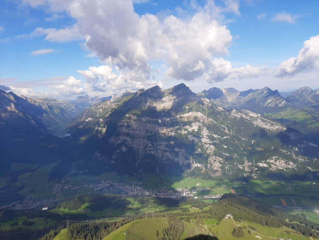 Ein Bild zum Beitrag Zambo-Gipfelchallenge auf den Fronalpstock im Glarnerland😃
